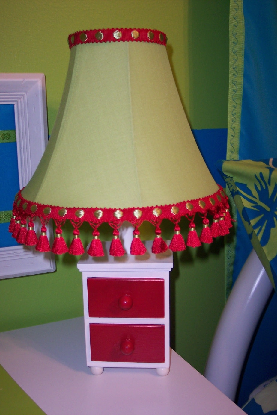Girls bedroom on a budget lamp