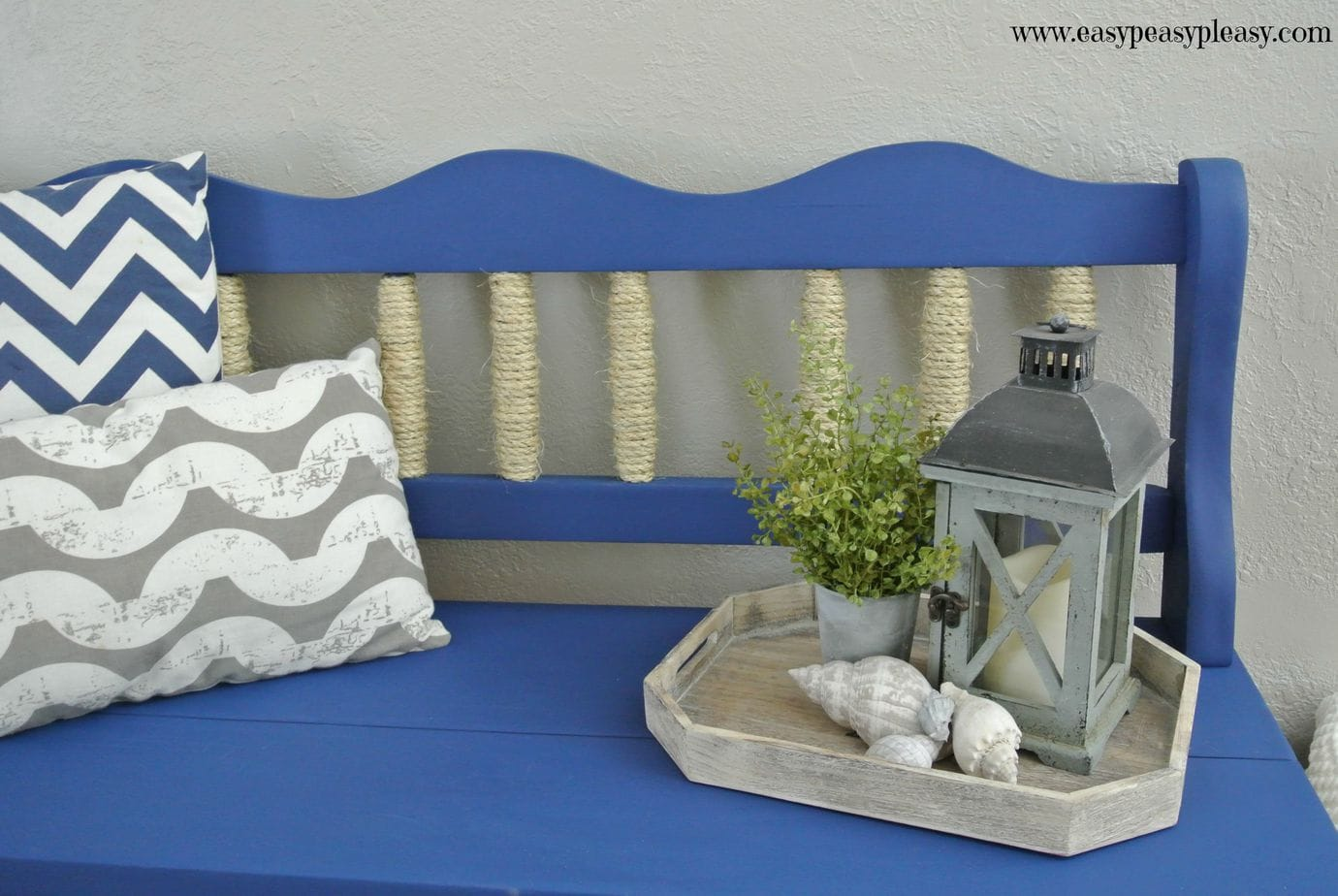 Easy Coastal Inspired Bench Makeover using rope to give a hint of beach life when you live no where near the beach.