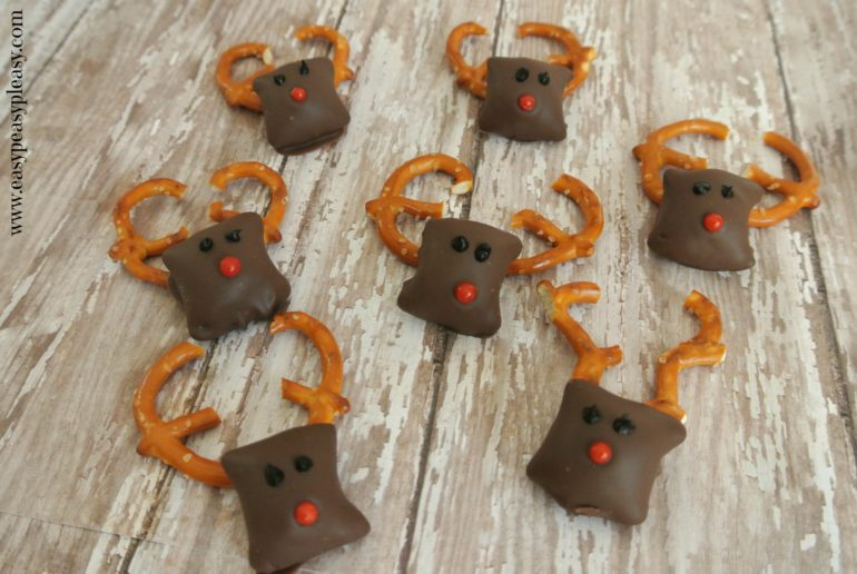 Rudolph Peanut Butter Pretzels are an easy to make Christmas Treat!