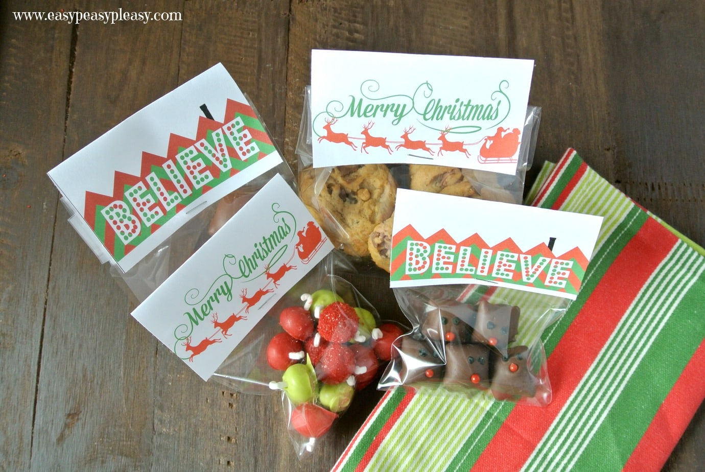 these christmas treat bag toppers are perfect to add to the top of your goodie bags