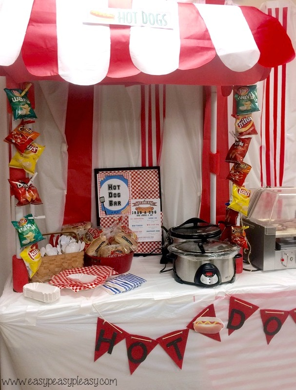 Teacher Appreciation Lunch Ideas Hot Dog Bar with free printable flyer that you can customize!