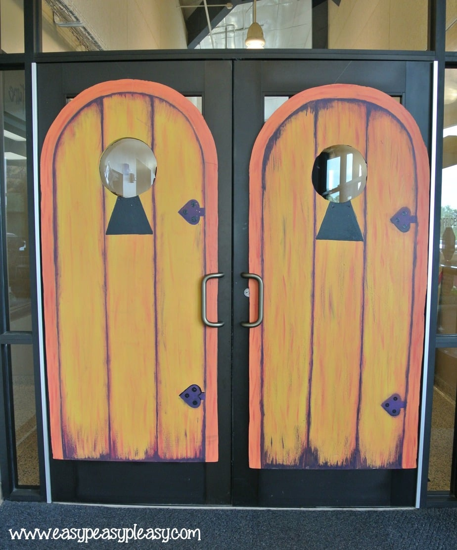 Alice in Wonderland Teacher Appreciation Week Doors to enter the school provided by Events in Conway AR!