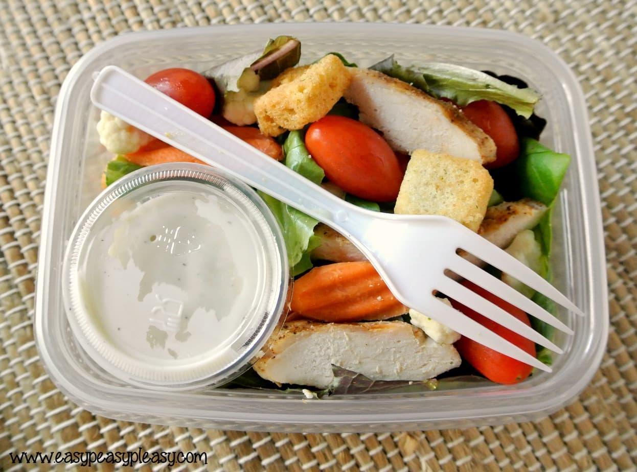 Easy Homemade To Go Salads at EasyPeasyPleasy.com