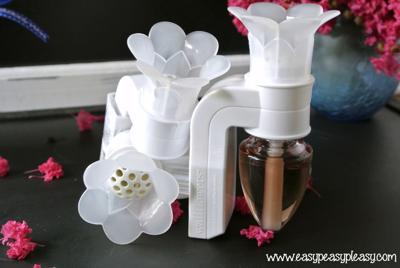 Bath and Body Works Wallflowers idea on EasyPeasyPleasy.com