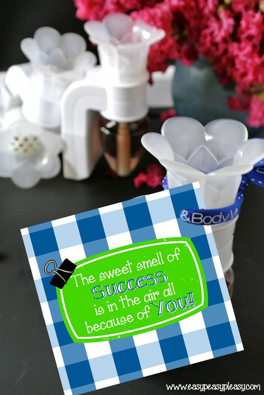 Free Printable Back To School Teacher Gift Tag and gift idea!