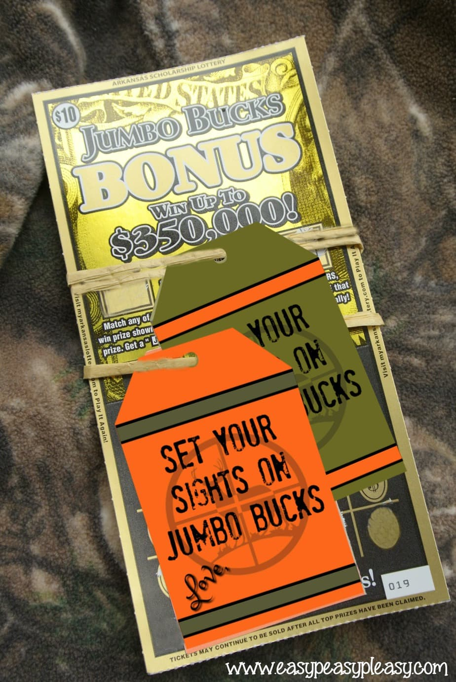 Use these free printable gift tags for the hunter who has everything.