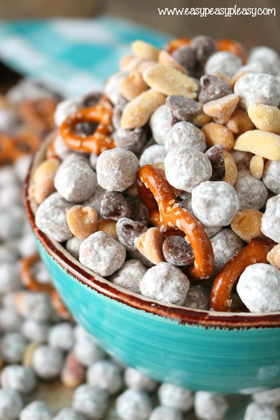 Make snack mix that your kids will love. Peanut Butter Cup cereal snack mix can be mixed up in 10 minutes! (ad)