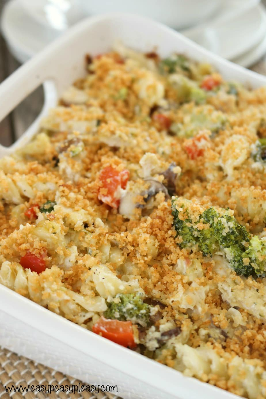 Creamy Chicken Broccoli Casserole is an amazing dish for potlucks. easypeasypleasy.com