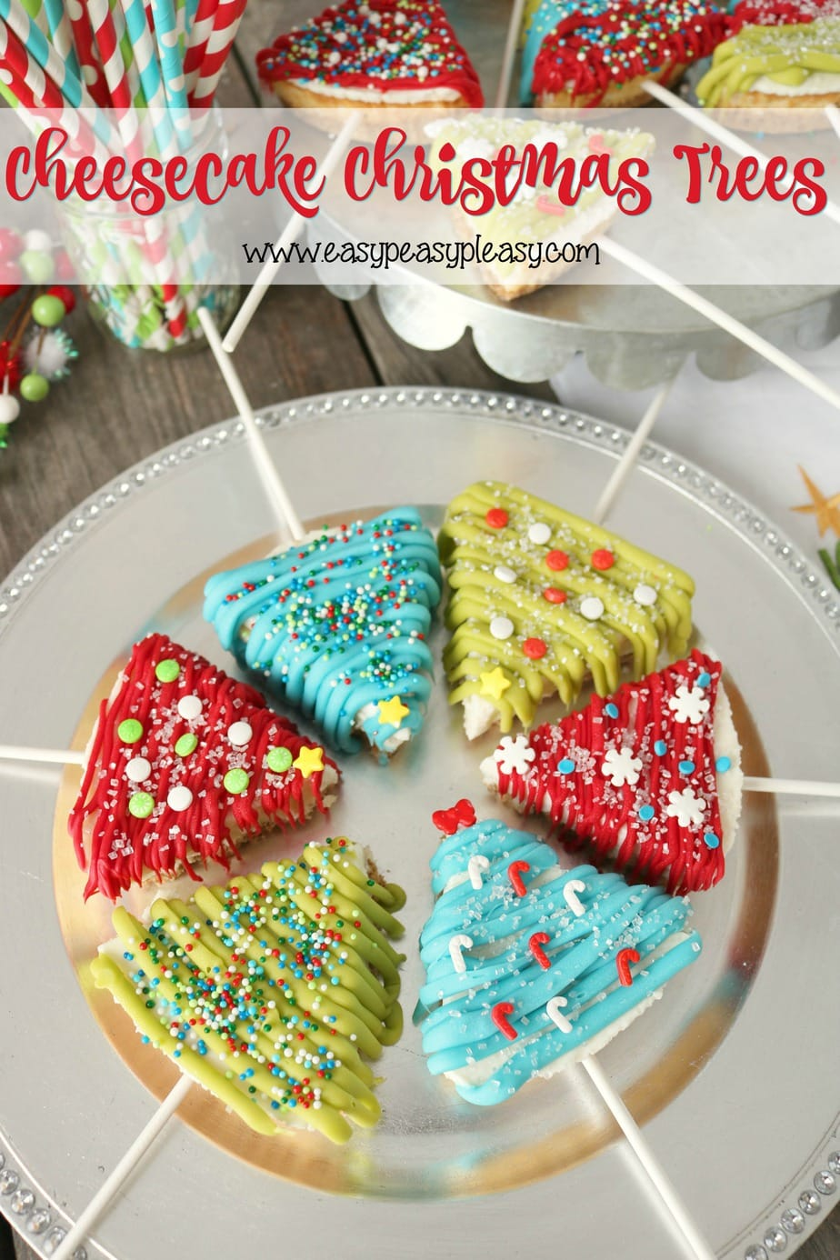 Create the cutest Cheesecake Christmas Trees using only 3 ingredients at easypeasypleasy.com