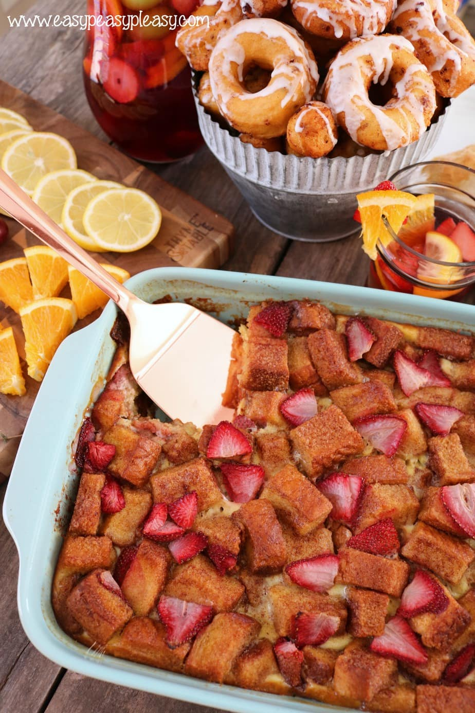 Strawberry French Toast Casserole is the perfect breakfast recipe to build an amazing brunch.