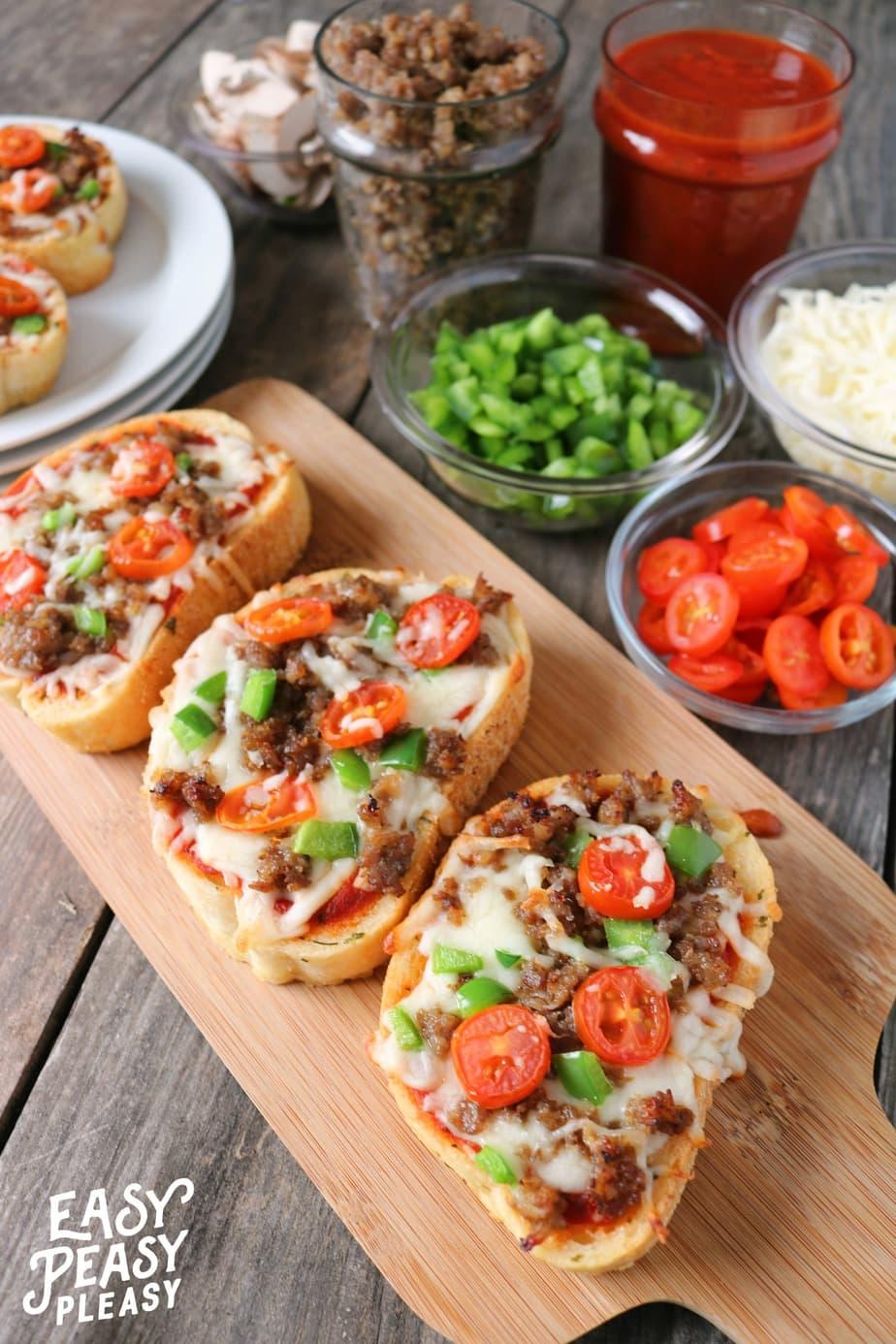 Texas Toast Garlic Bread Pizza For Busy Weeknights Easy Peasy Pleasy