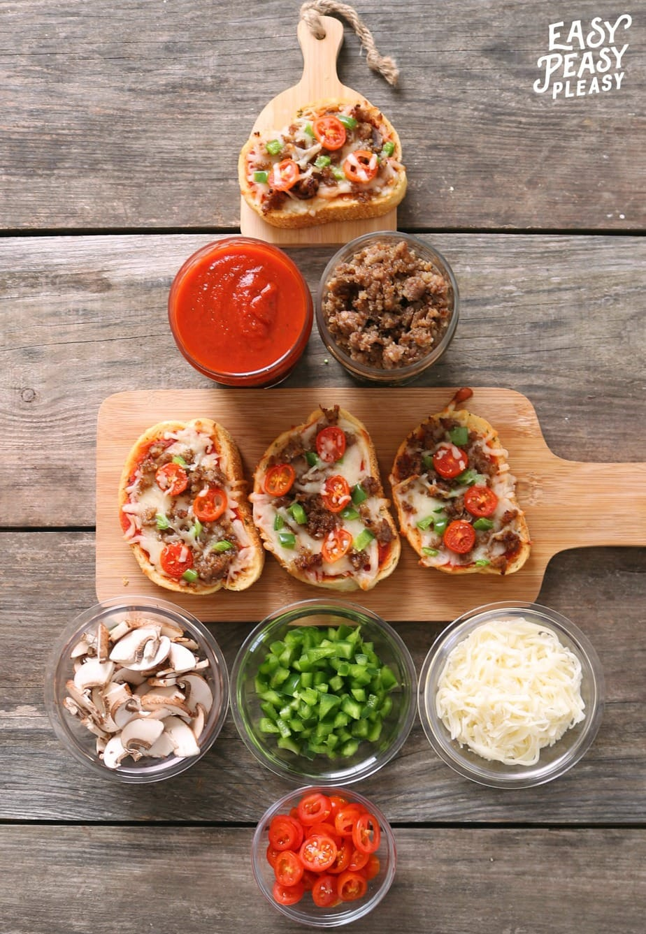 The perfect recipe for your Christmas Party. Throw together quick ingredients for the perfect Texas Toast Garlic Bread Pizzas. Let your guests customize their toppings.